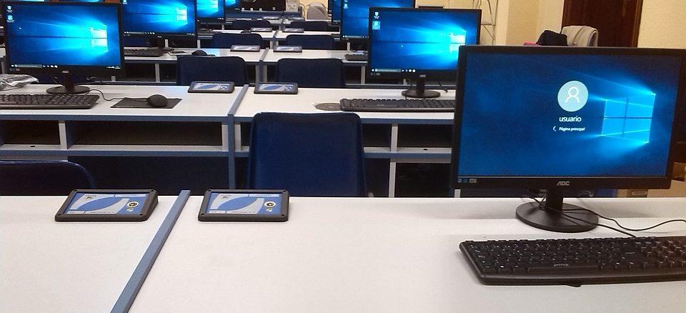 6 von 10 Schülern kritisieren Fehlen digitaler Medien im Unterricht