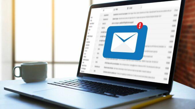 Durchschnittlich 26 berufliche E-Mails landen täglich im Postfach