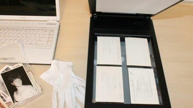 Abschied vom Papierberg: Fast die Hälfte der Bevölkerung digitalisiert Dokumente