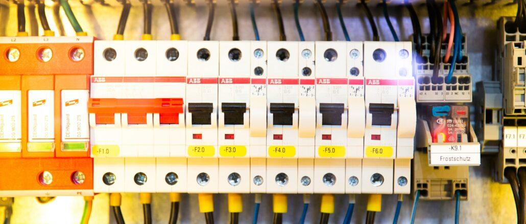 Aufschlüsselung der Leitungsschutzschalter: Die verschiedenen FI-Schutzschaltertypen verstehen